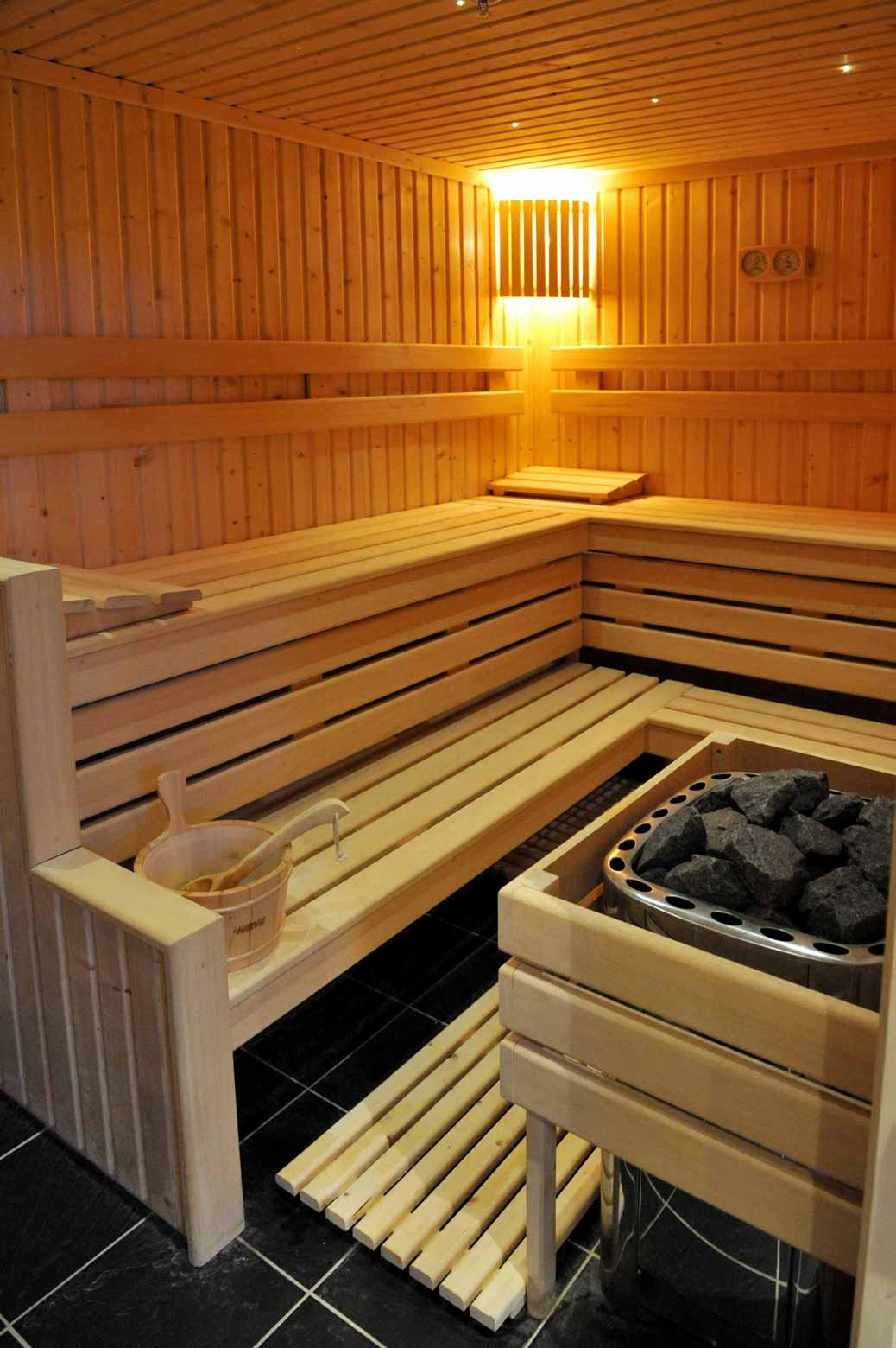 sauna ou hammam comment choisir. Black Bedroom Furniture Sets. Home Design Ideas