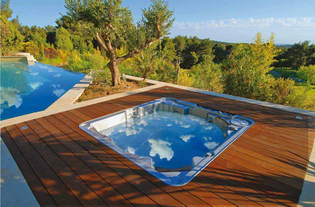 Le jacuzzi ext rieur d tendez vous au grand air for Jacuzzi d exterieur